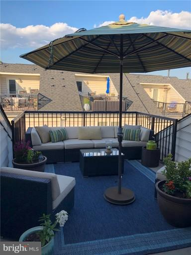 Rooftop Deck - 2607 S KENMORE CT, ARLINGTON