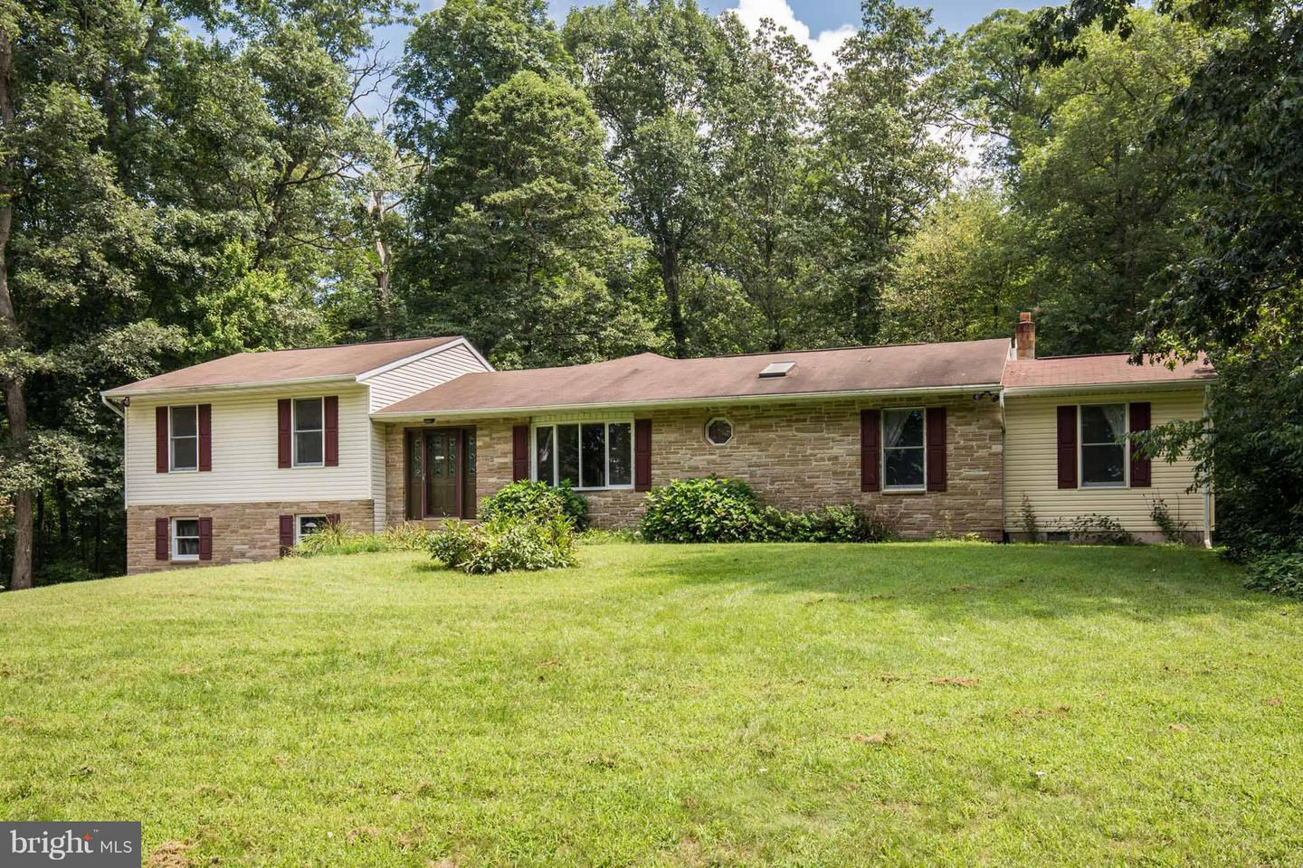 Single Family for Sale at 3871 Fringer Rd Taneytown, Maryland 21787 United States