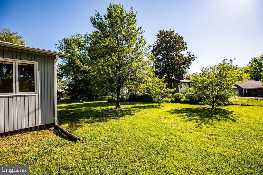 Fenced Rear yard - 702 PAYTON DR, FREDERICKSBURG
