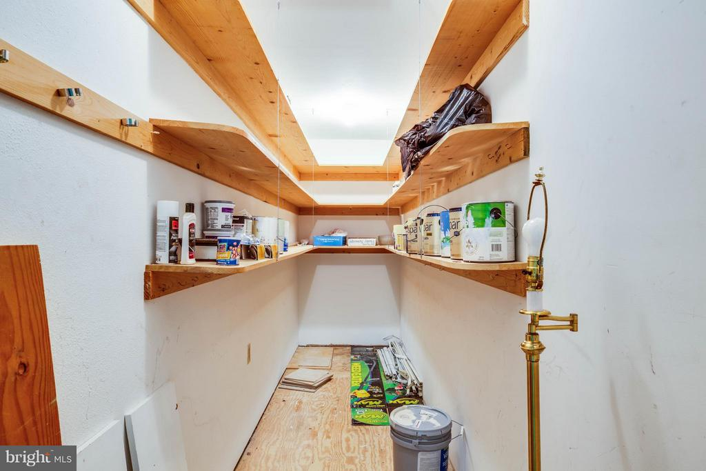 15x4 storage area - 702 PAYTON DR, FREDERICKSBURG