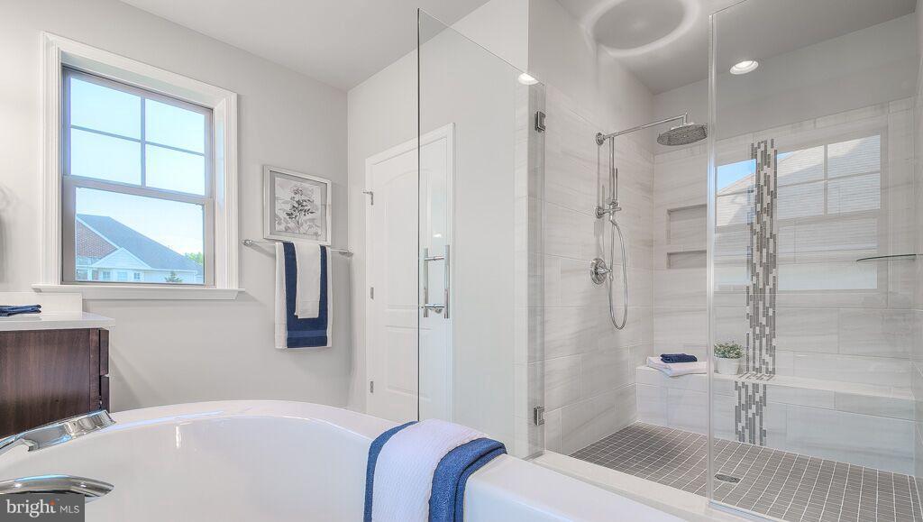 Bath (Master) 2 - 10382 SPRINGSIDE TER, IJAMSVILLE