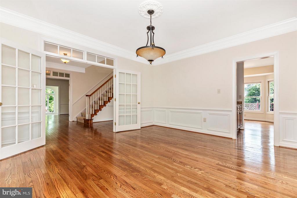 Formal Dining Room - New Paint - Finished Floors - 5580 BROADMOOR TER N, IJAMSVILLE