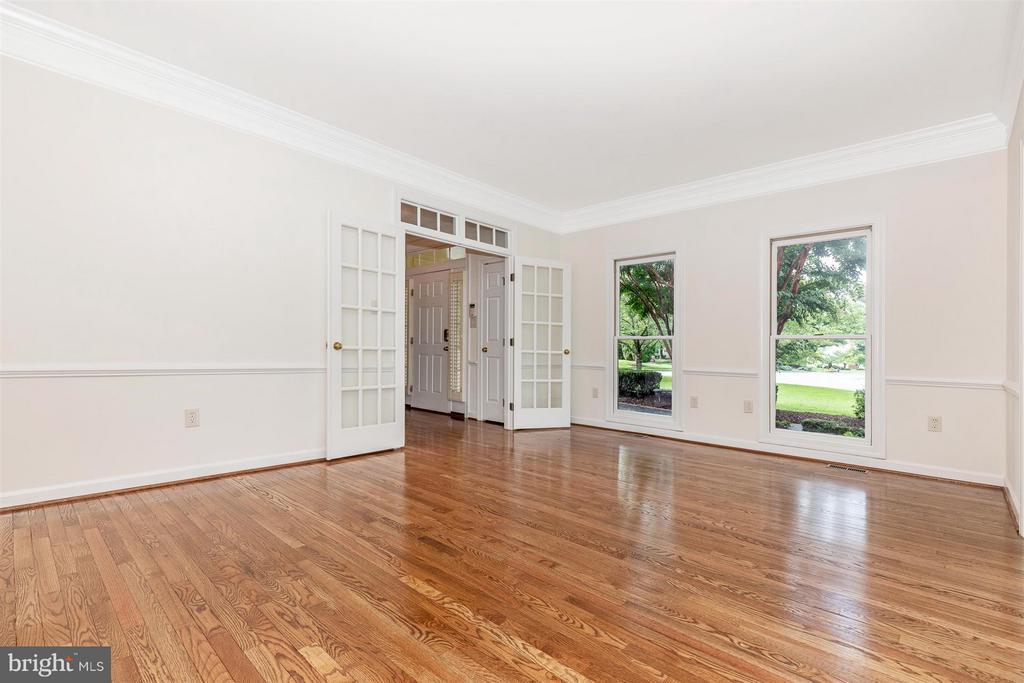 Formal Living Room- New Paint - Finished Floors - 5580 BROADMOOR TER N, IJAMSVILLE