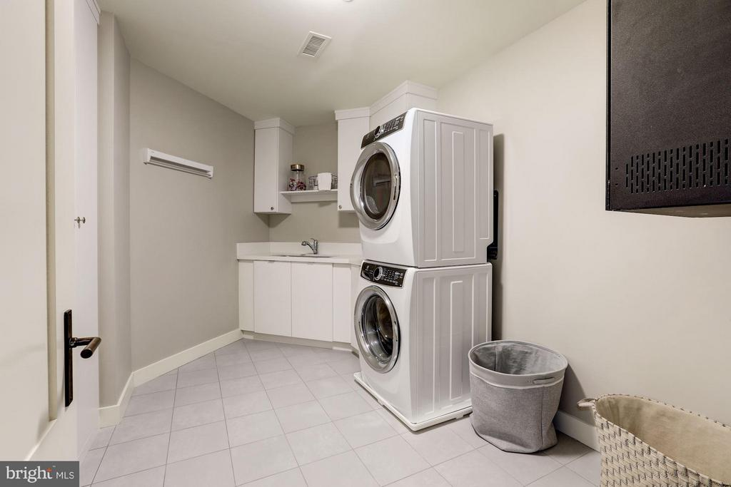Laundry Room - 2660 CONNECTICUT AVE NW #6D, WASHINGTON