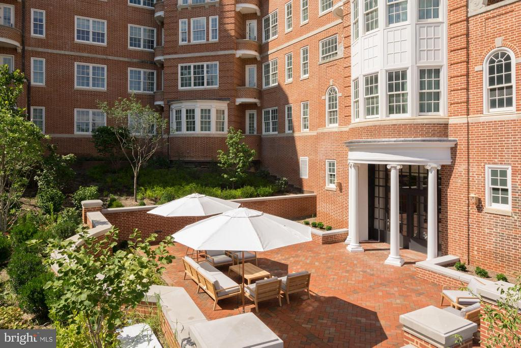 Private Terrace for Residents and Guests - 2660 CONNECTICUT AVE NW #6F, WASHINGTON