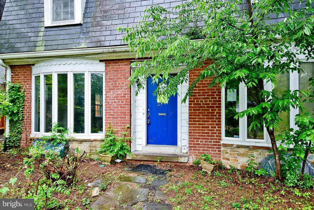 Exterior (Front) - 4228 RENO RD NW, WASHINGTON