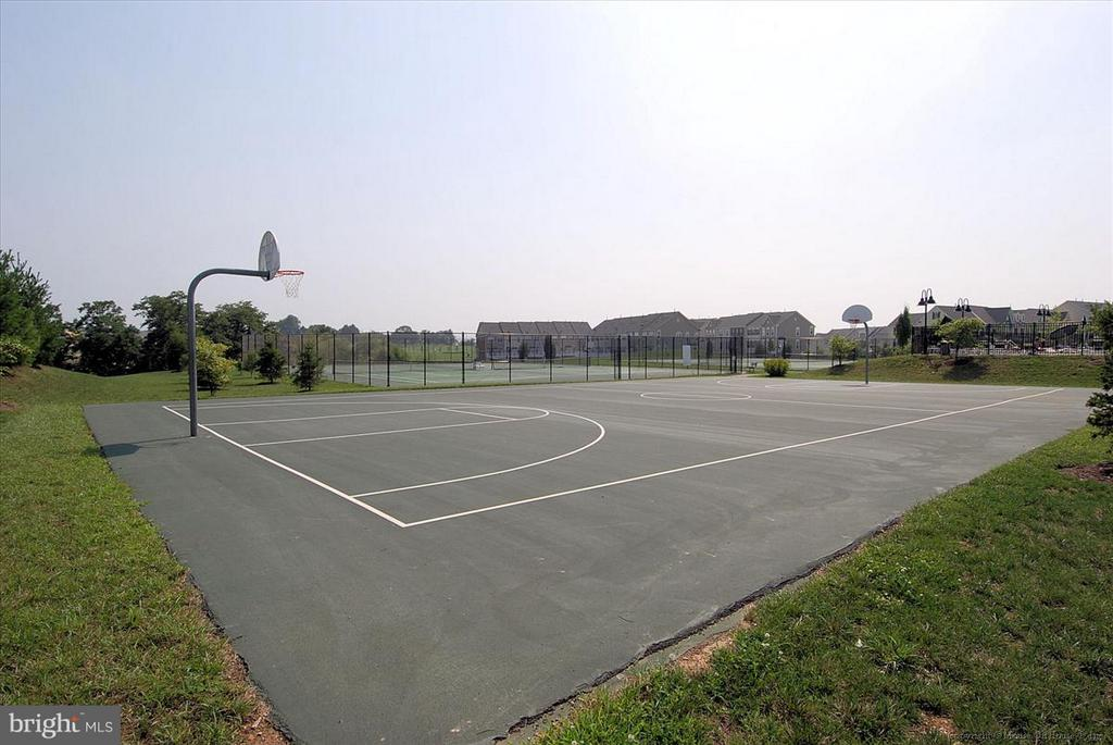 Basketball and tennis courts available - 4026 BELGRAVE CIR, FREDERICK