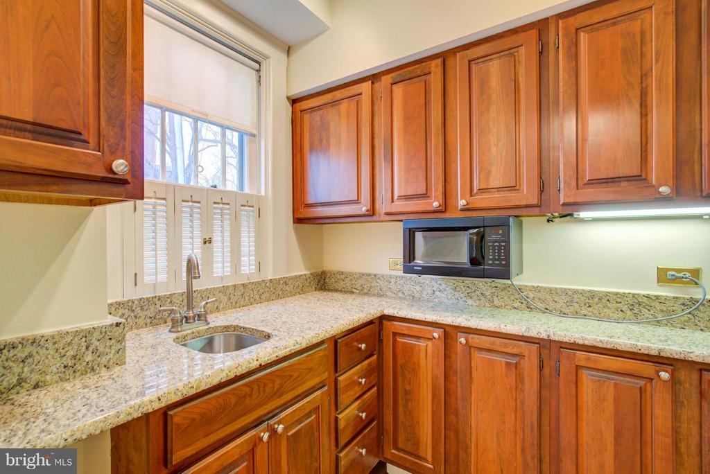 Kitchen - 311 STONEWALL AVE, WINCHESTER