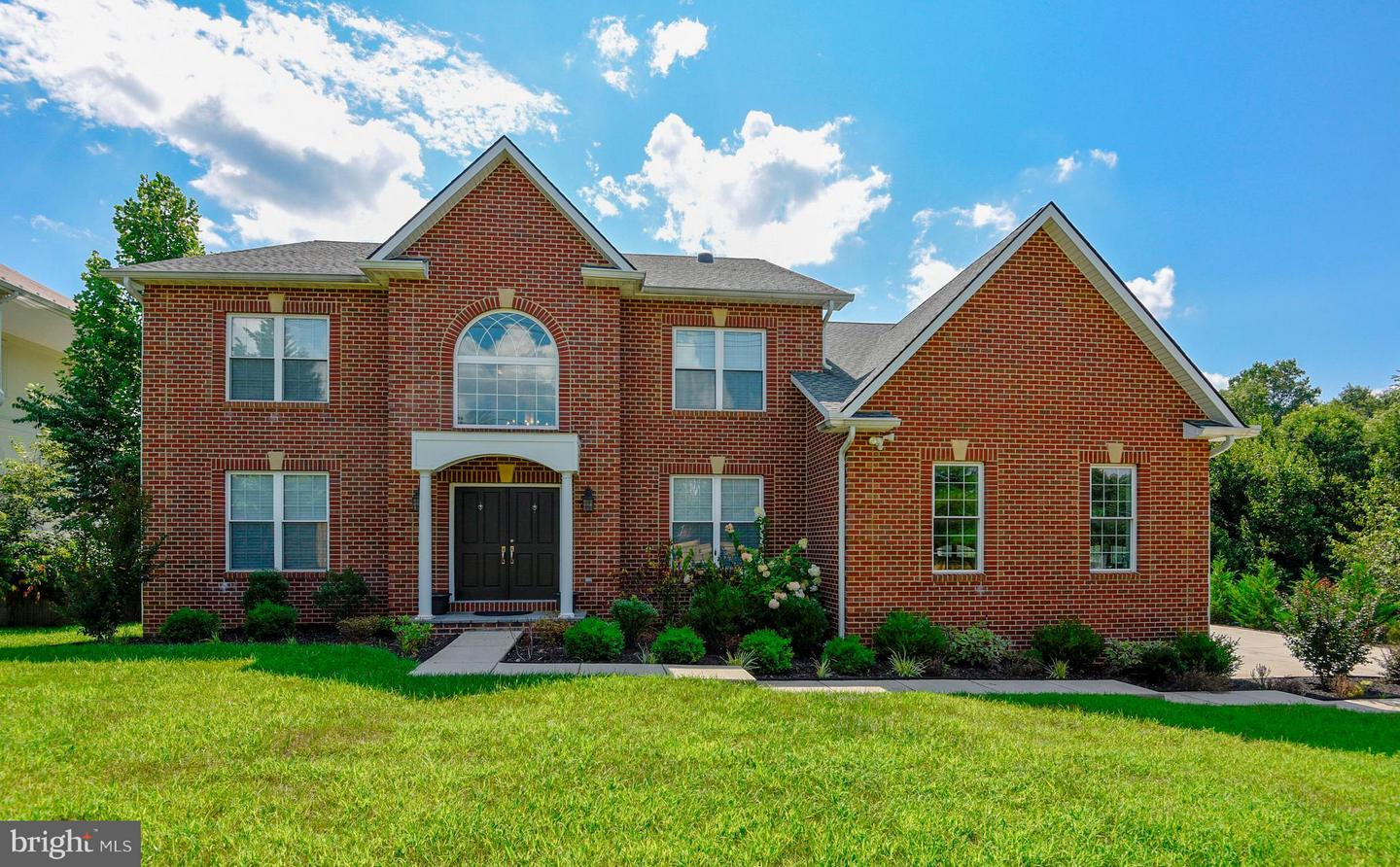 Single Family for Sale at 6004 Muncaster Mill Rd Derwood, Maryland 20855 United States