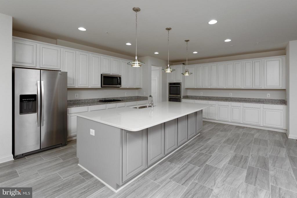 Kitchen - 4106 ETHAN MANOR RD, CLINTON