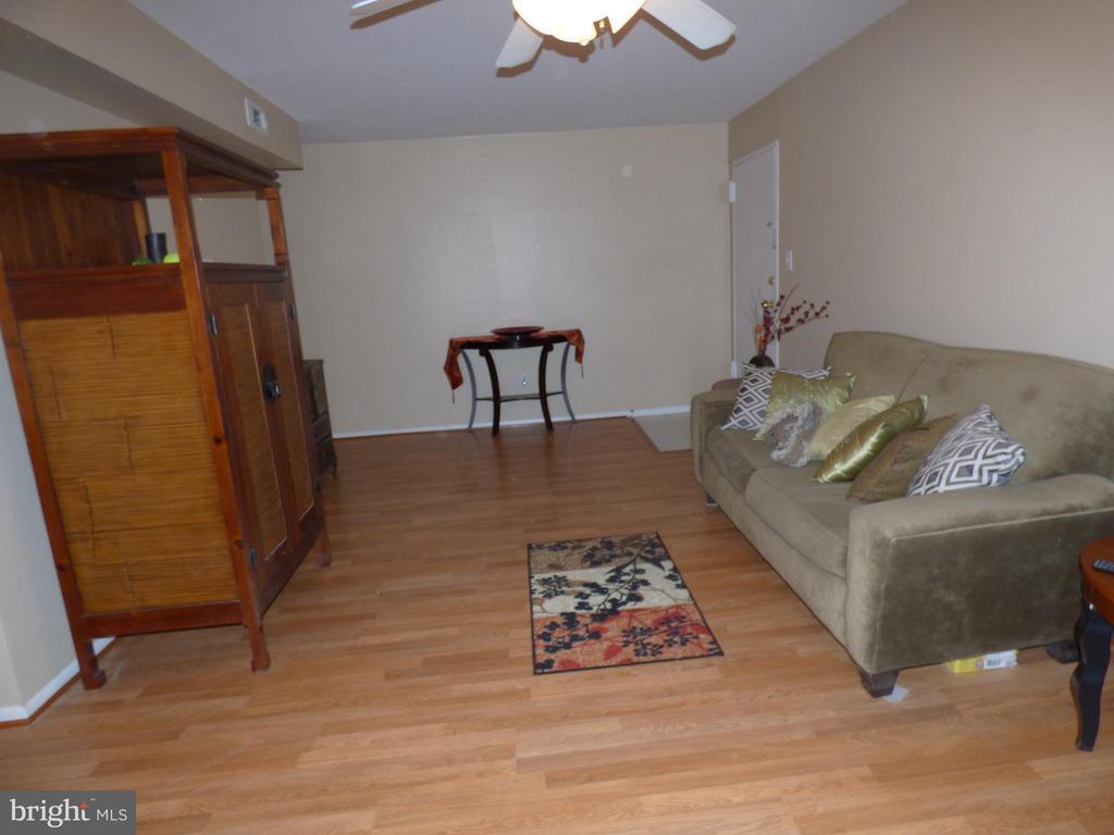 Living Room - 9808 47TH PL #304, COLLEGE PARK