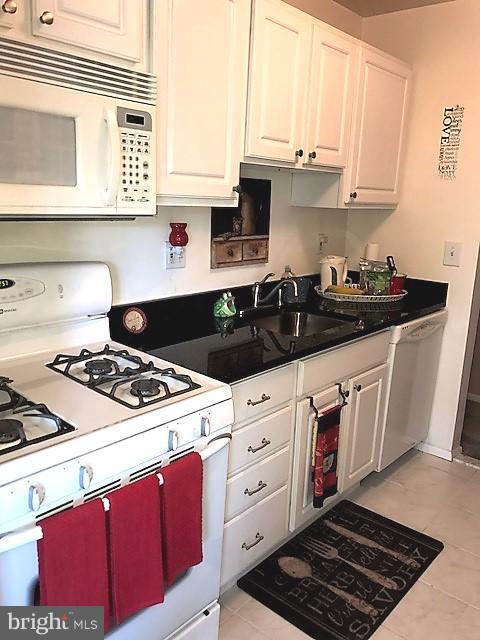 Kitchen - 9808 47TH PL #304, COLLEGE PARK