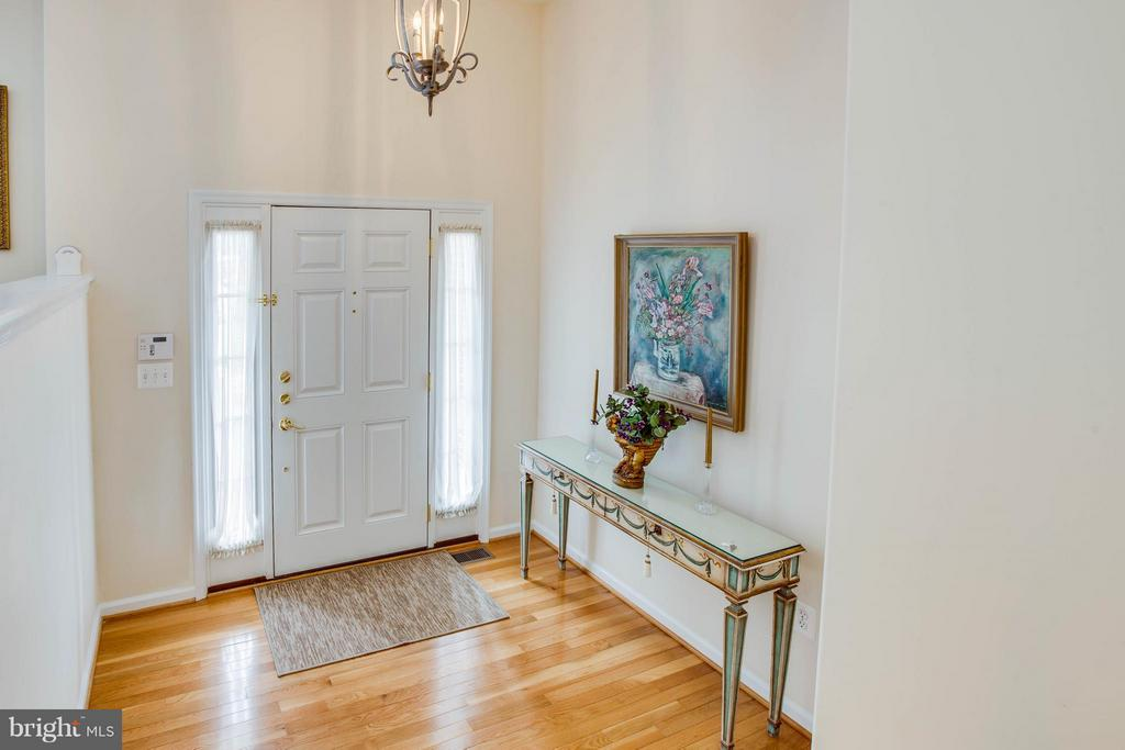 Foyer - 513 DUNMORE ST, FREDERICKSBURG