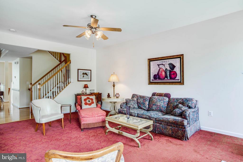 Family Room off of kitchen - 513 DUNMORE ST, FREDERICKSBURG
