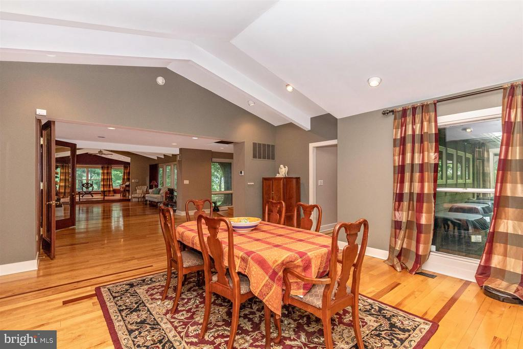 Dining Room - 6303 WINPENNY DR, FREDERICK