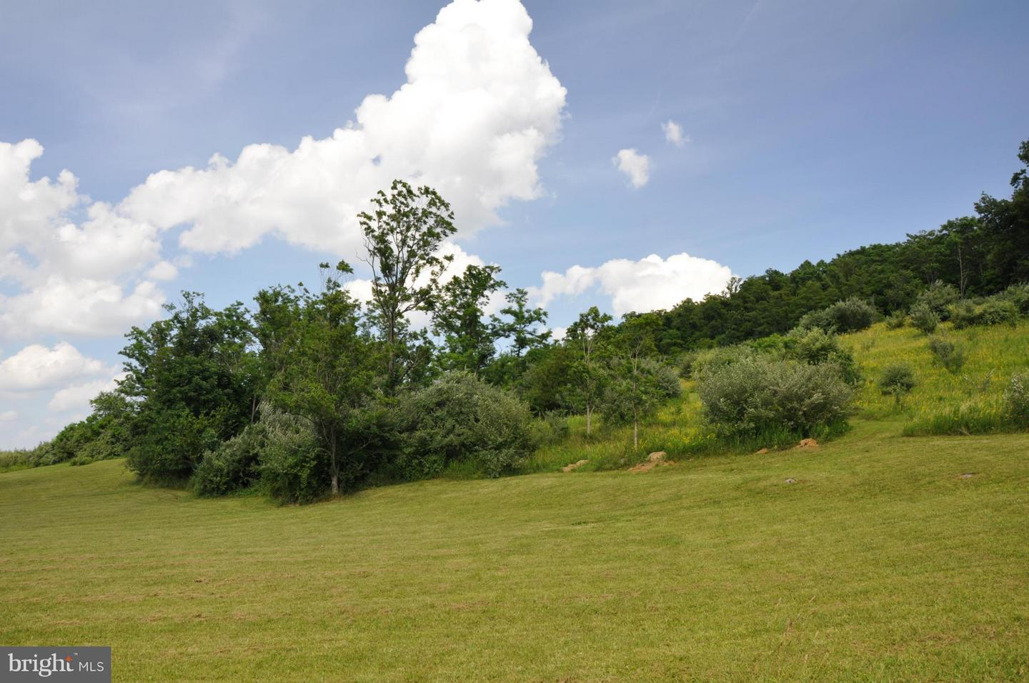 Additional photo for property listing at 6 Willa Cather Ln  Gore, Virginia 22637 United States