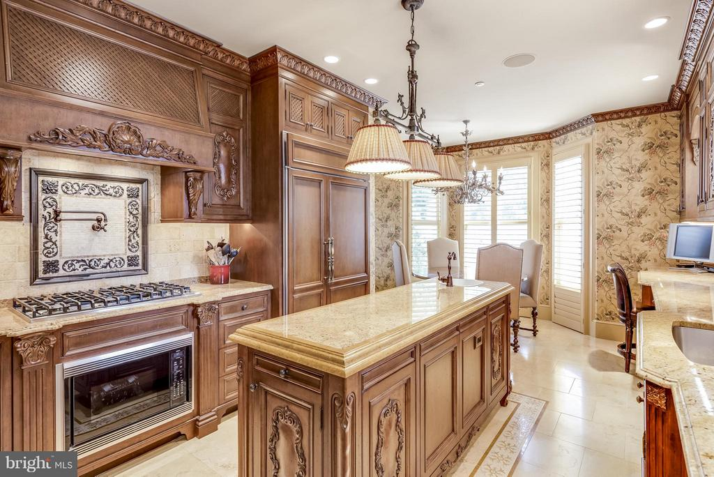 Entertaining? Show off this exquisite Kitchen. - 9 SOUTH ST, ANNAPOLIS