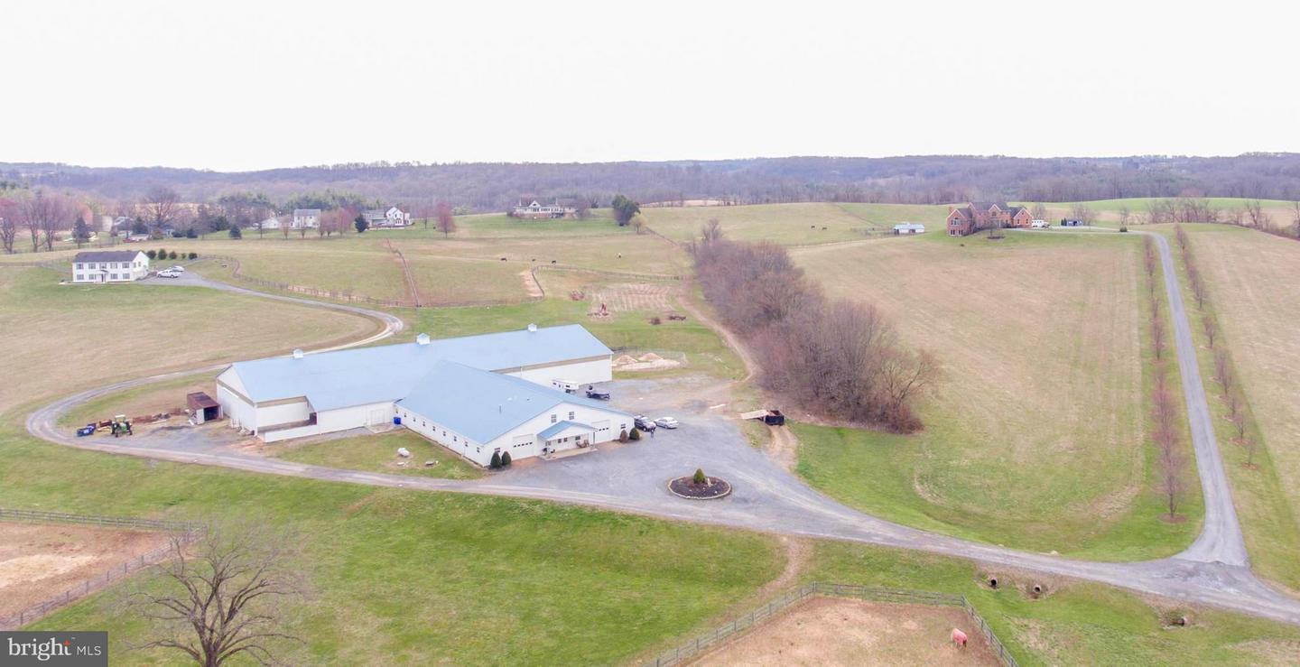 Single Family for Sale at 8950 Albaugh Rd Mount Airy, Maryland 21771 United States