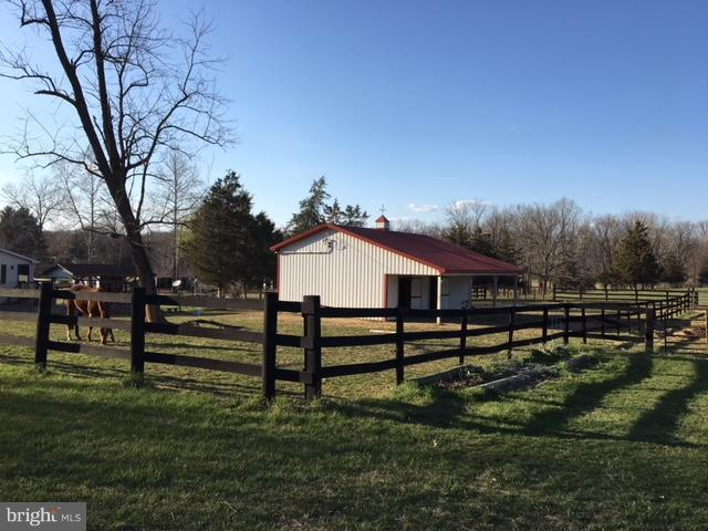 Barn - 1577 SHENANDOAH RIVER LANE, BOYCE
