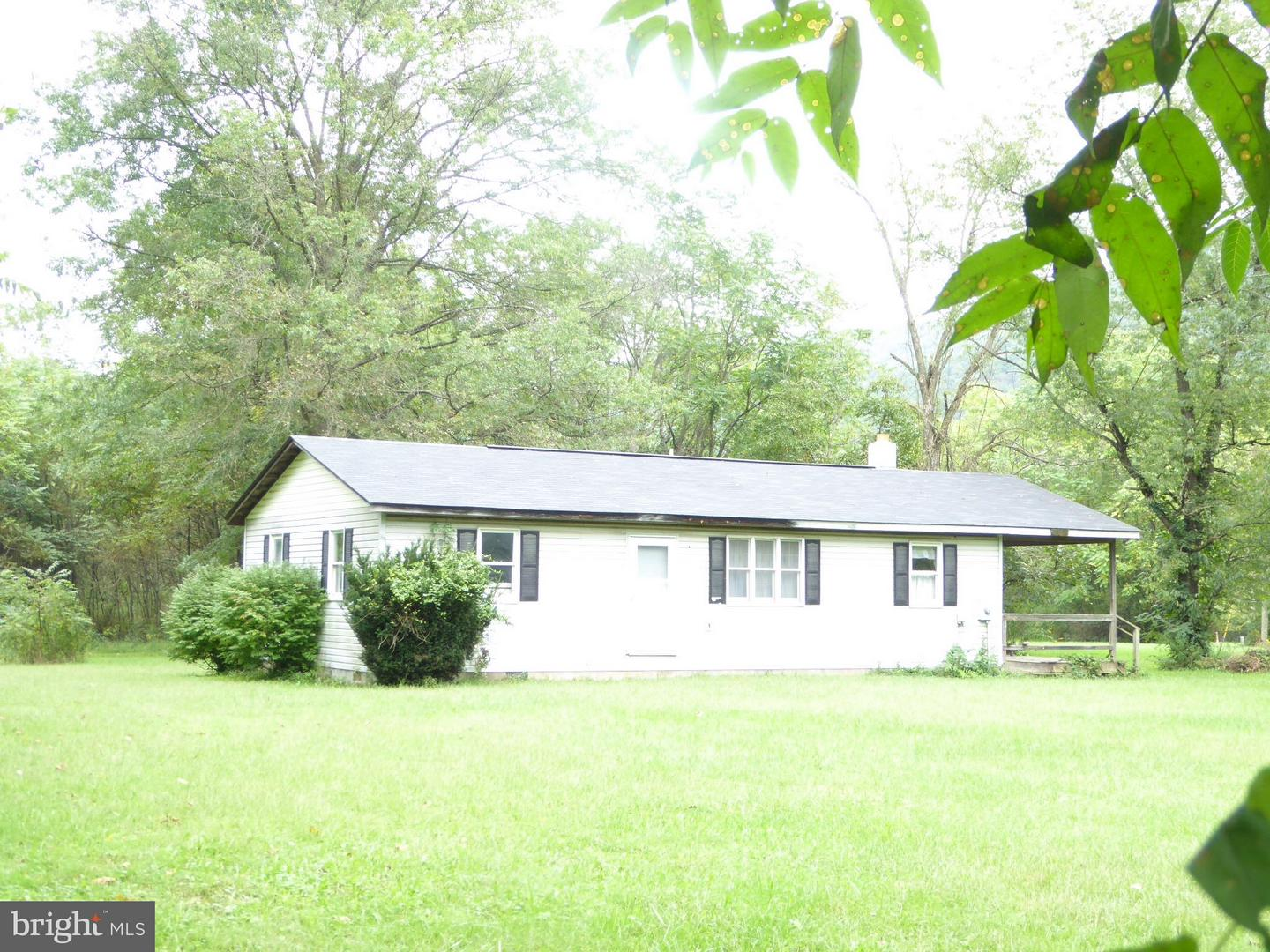 Single Family for Sale at 209 North River Run Blvd Rio, West Virginia 26755 United States