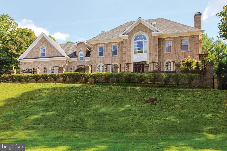 Single Family for Sale at 6801 Capri Pl Bethesda, Maryland 20817 United States