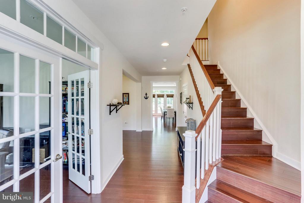 Lovely Foyer! - 2305 HARMSWORTH DR, DUMFRIES