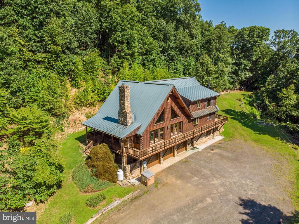 10420  TWISTED OAK LANE, Marshall in FAUQUIER County, VA 20115 Home for Sale