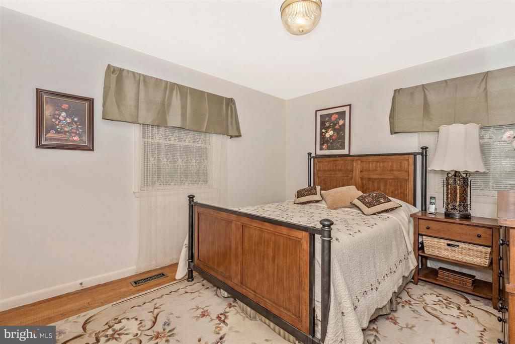 Bedroom 4 - 2 GOSHEN CT, GAITHERSBURG