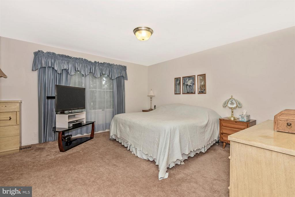Bedroom (Master) - 2 GOSHEN CT, GAITHERSBURG