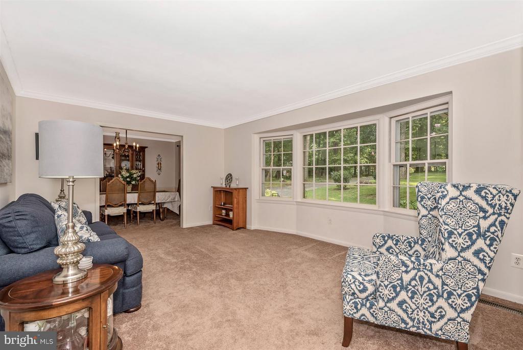 Living Room - 2 GOSHEN CT, GAITHERSBURG