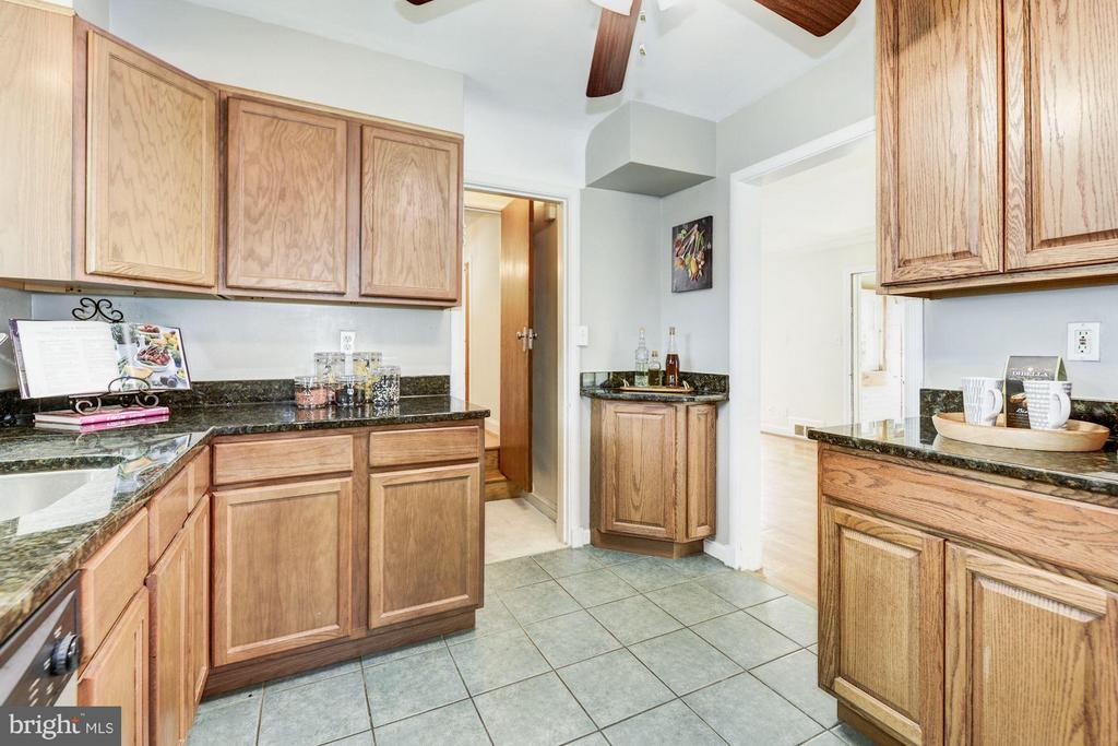 Kitchen - 4300 RENO RD NW, WASHINGTON