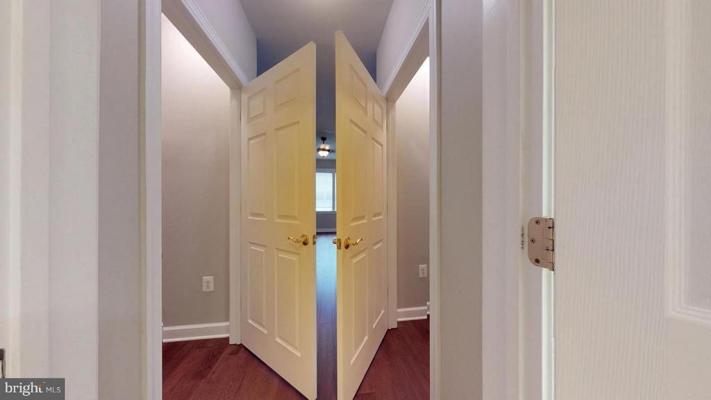 Bedroom (Master 1) - 403 KING FARM BLVD #BR-401-R, ROCKVILLE