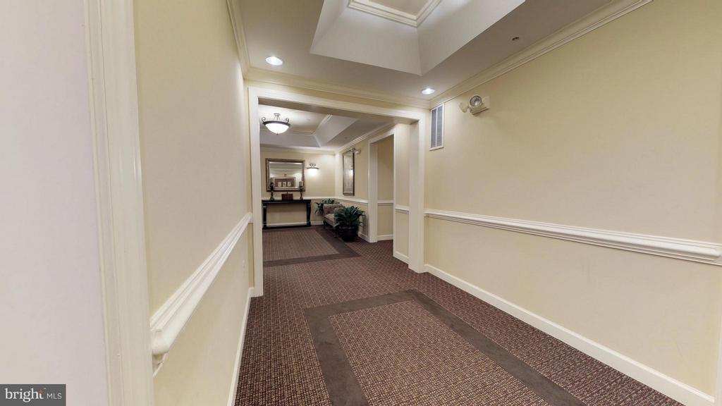 Hallway - 403 KING FARM BLVD #BR-401-R, ROCKVILLE