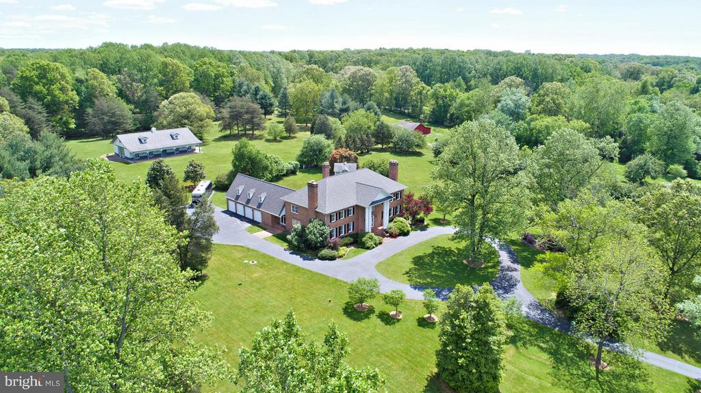 Custom-built Masterpiece on Lush 5 Acres - 6901 CLIFTON RD, CLIFTON