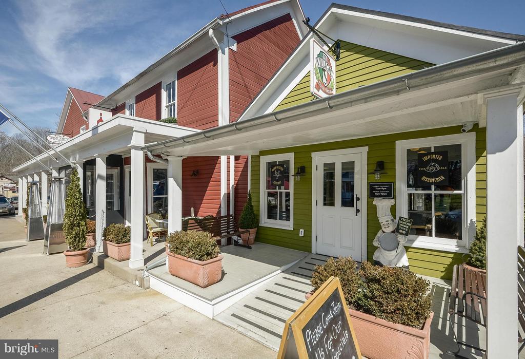 Town of Clifton: Restaurants - 6901 CLIFTON RD, CLIFTON