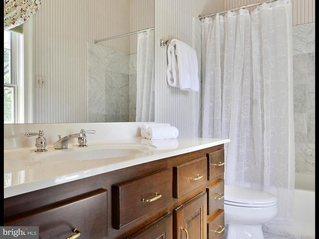 Four Upper Level Full Baths - 6901 CLIFTON RD, CLIFTON
