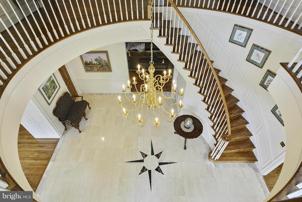 Stunning Feature of Elegance - 6901 CLIFTON RD, CLIFTON