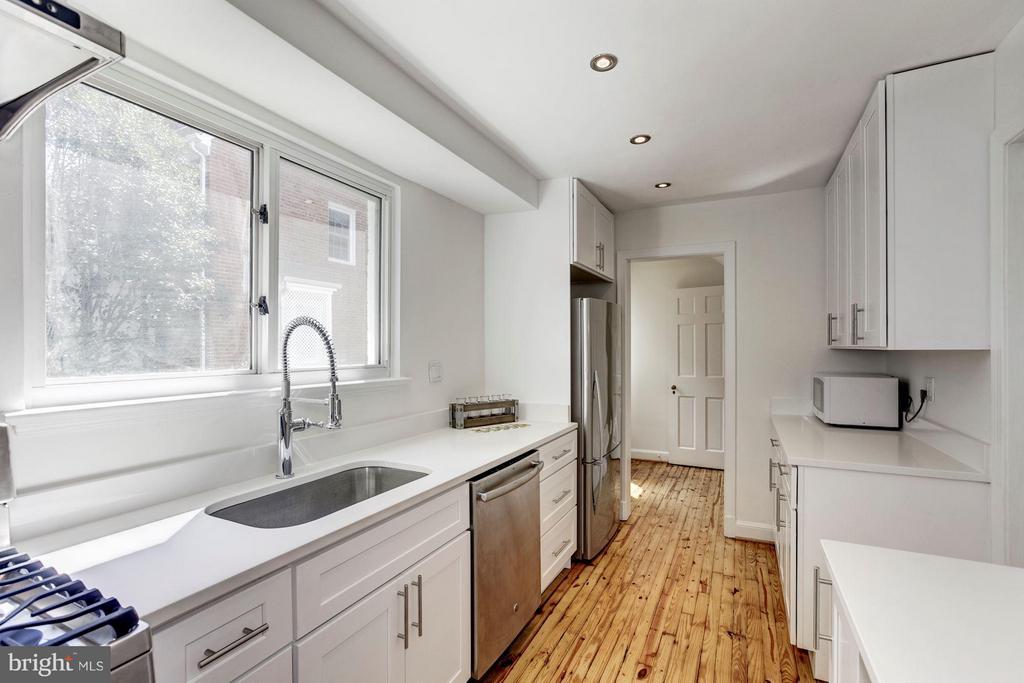 Kitchen - 4325 47TH ST NW, WASHINGTON