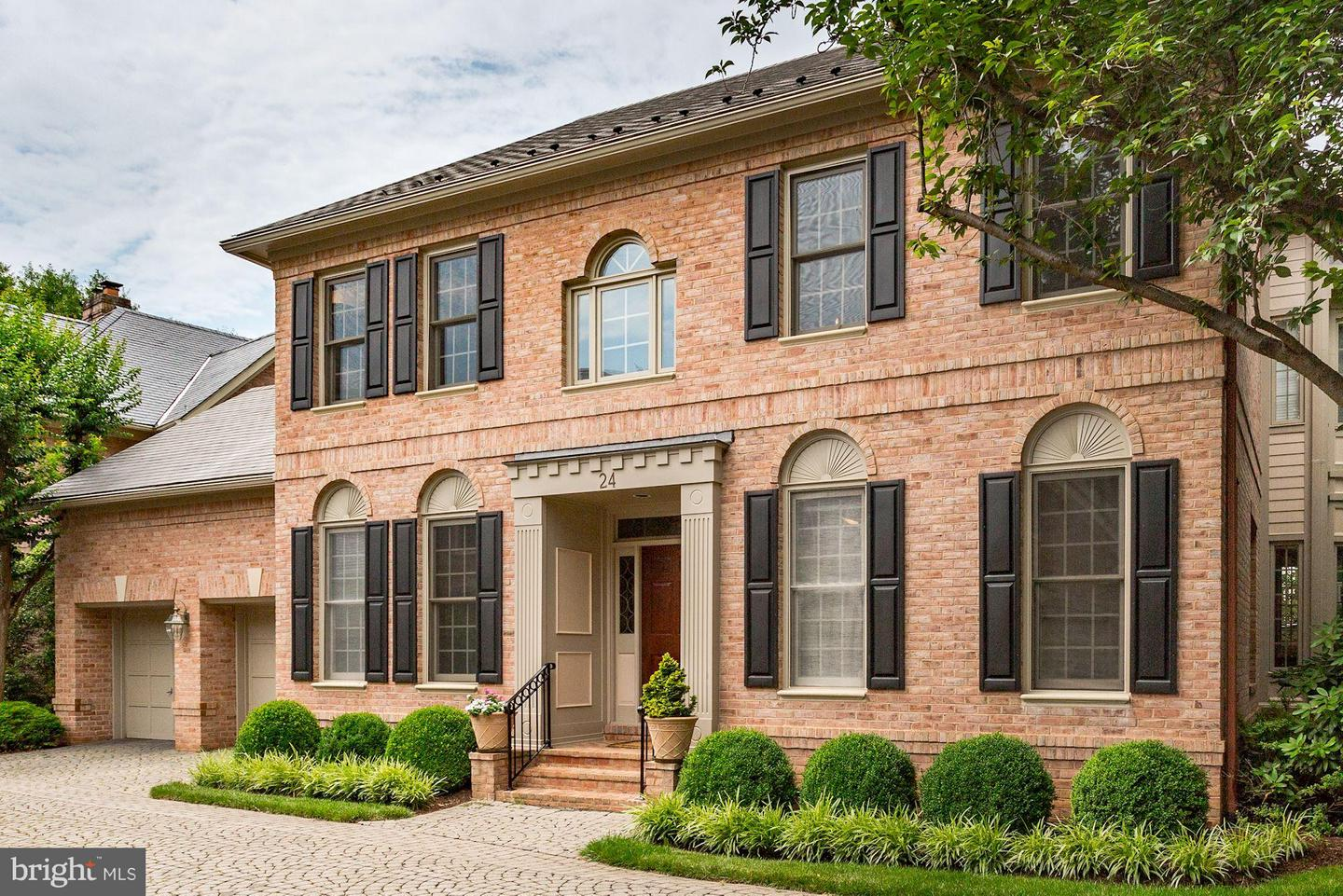 Single Family for Sale at 24 Sandalfoot Ct Potomac, Maryland 20854 United States