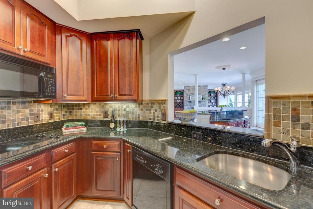 Fully Equipped Catering Kitchen - 41605 SWIFTWATER DR, LEESBURG