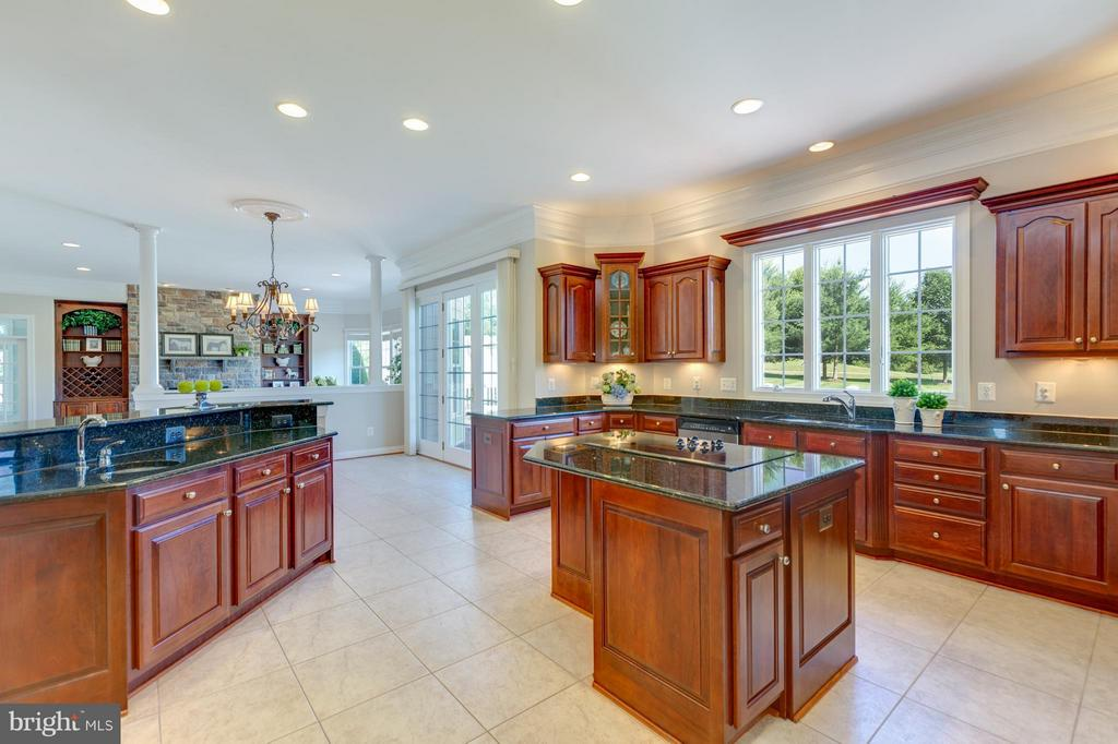 Large Kitchen with 2 Islands and Catering Kitchen - 41605 SWIFTWATER DR, LEESBURG