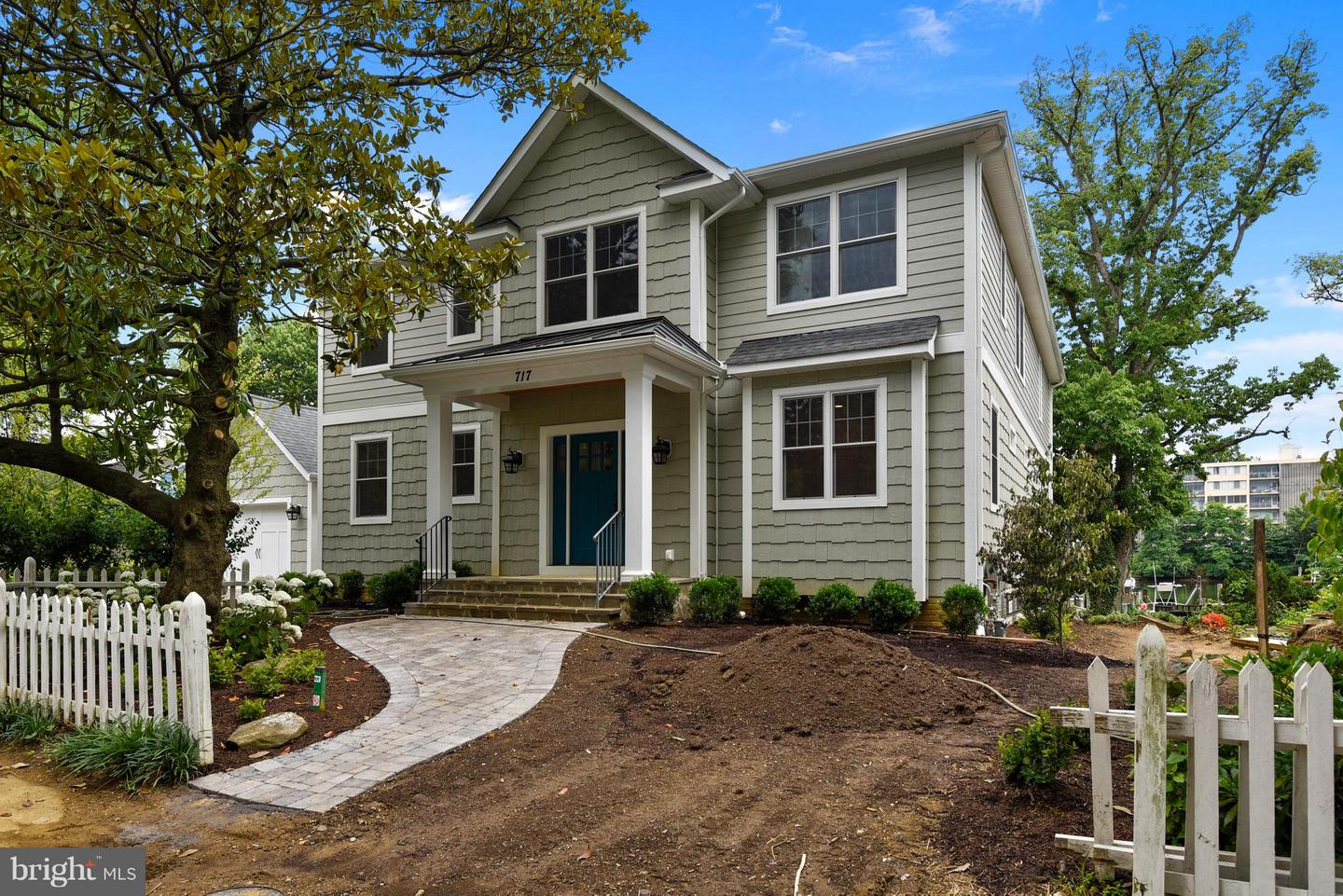 Single Family Home for Sale at 717 Chester Avenue 717 Chester Avenue Annapolis, Maryland 21403 United States