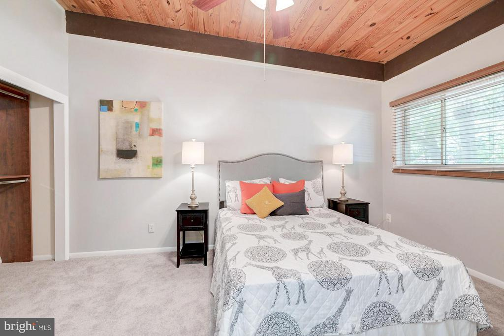 Spacious master bedroom! - 7747 DONNYBROOK CT #206, ANNANDALE