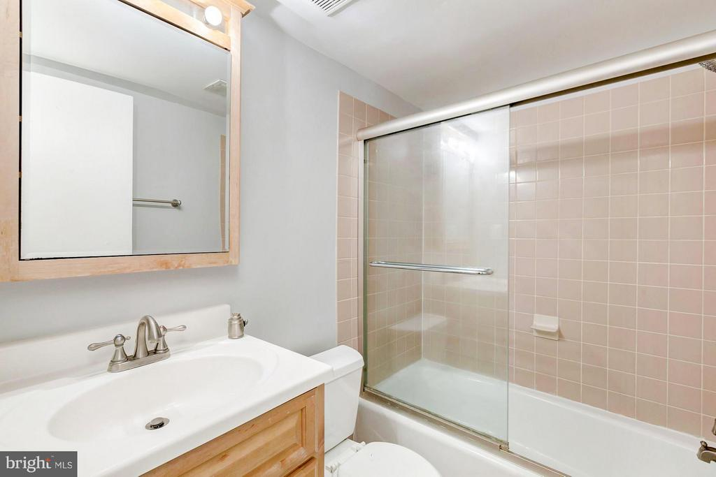 Bathroom - 7747 DONNYBROOK CT #206, ANNANDALE