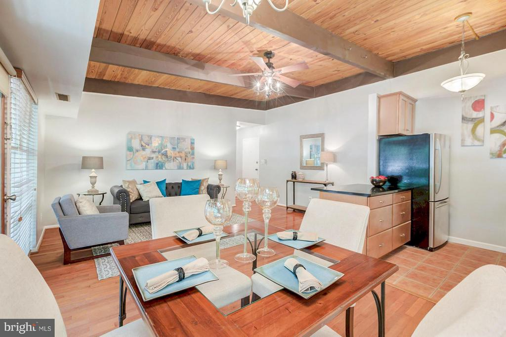 Open layout with great natural light - 7747 DONNYBROOK CT #206, ANNANDALE