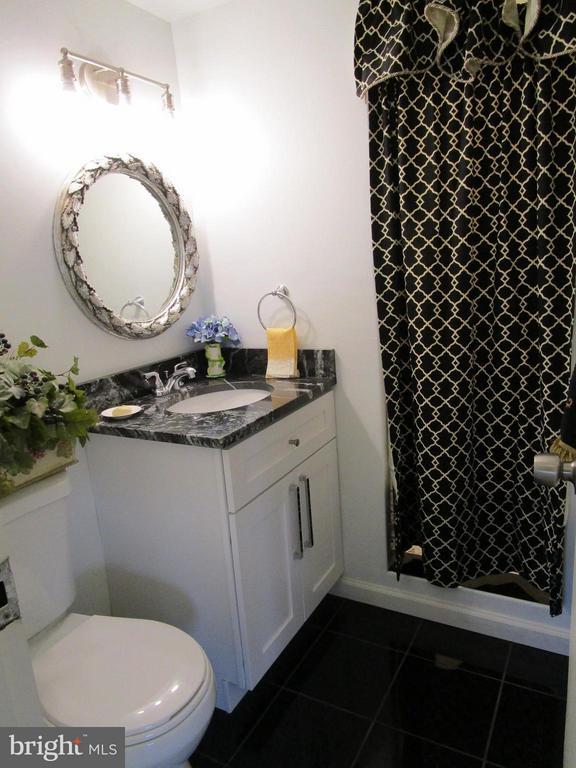 Full Bath with New Designer Tile Floors - 3900 WATSON PL NW #A-5E, WASHINGTON