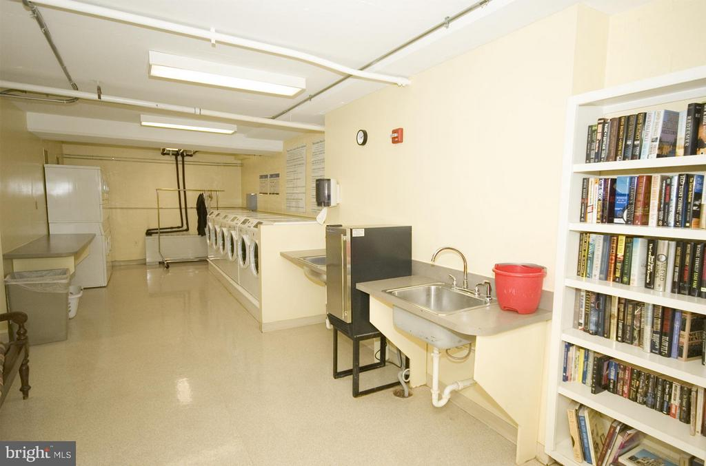 Our convenience and beautiful laundry room - 3900 WATSON PL NW #A-5E, WASHINGTON