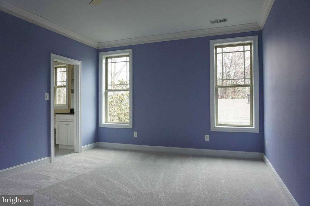 Bedroom - 7015 WOODLAND DR, SPRINGFIELD