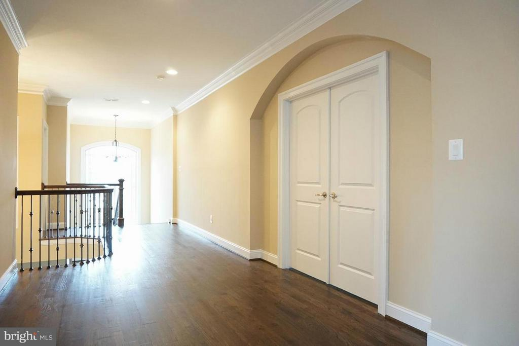 Bedroom (Master) - 7015 WOODLAND DR, SPRINGFIELD