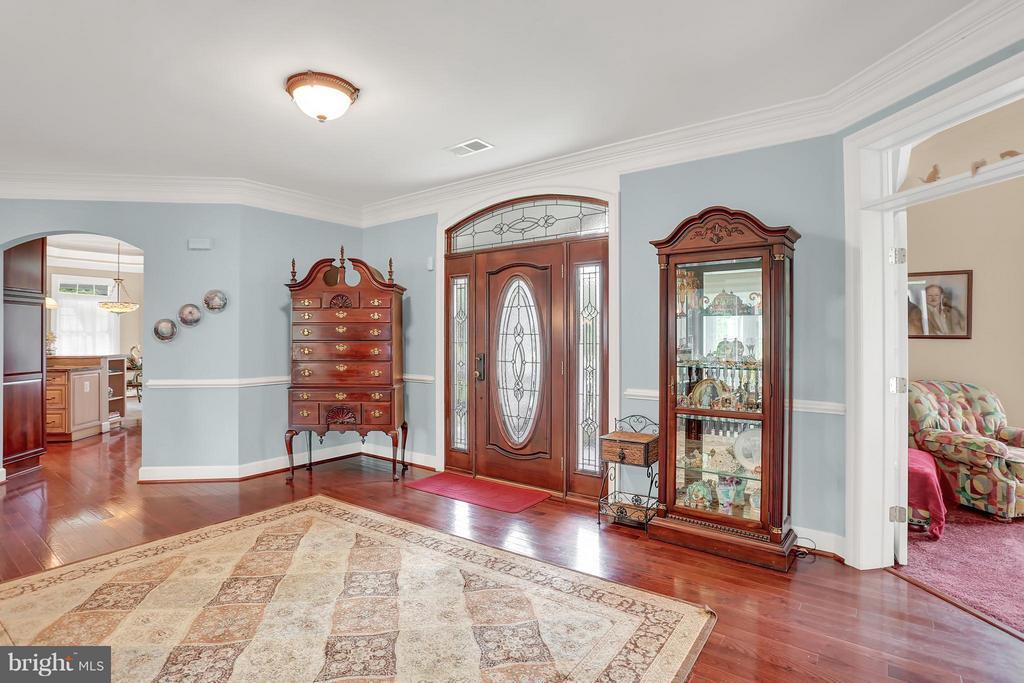 Foyer - 6055 GREENWAY CT, MANASSAS